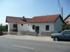 220 + 36 m2, Gradistanski put, vise stanova , 4 ara,