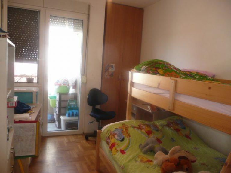 STAN LOLE RIBARA, 52 m2, 2.sprat, 37.500 evra
