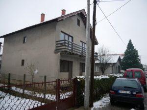 KUCA 192 m2, plac 4,49 a, Busije,cena 38000