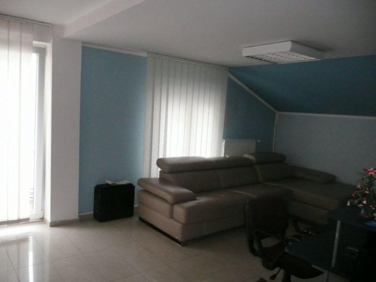 62 m2, dvosoban,Knicaninova CG, 3. sprat, novija gradnja