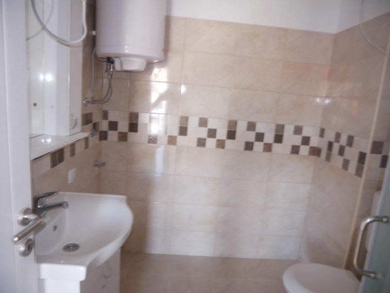 STAN KNICANINOVA 59 m2, 4.SPRAT, 750 EVR plus PDV,48.700 evra