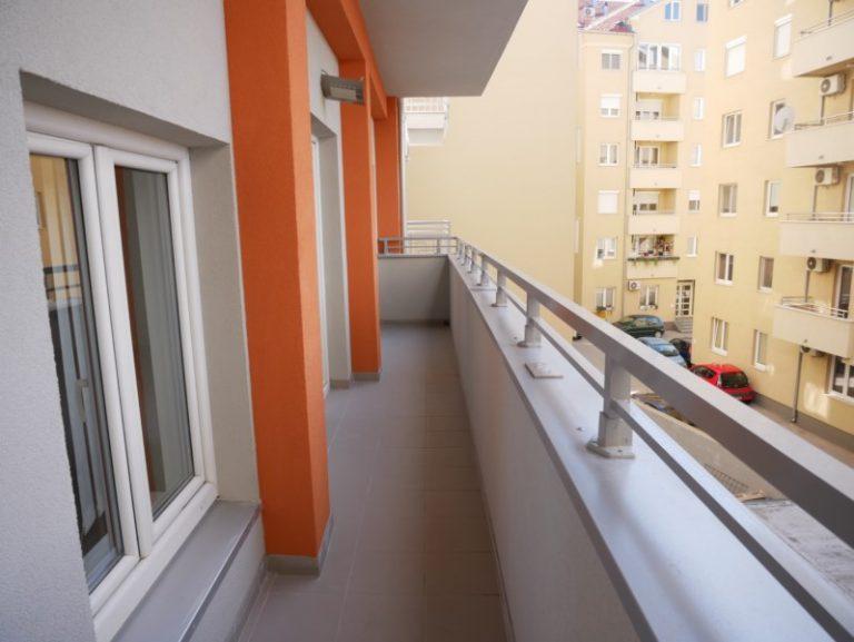 STAN KNICANINOVA 69 m2, 2.SPRAT, ZAVRSEN , 47.000 evra